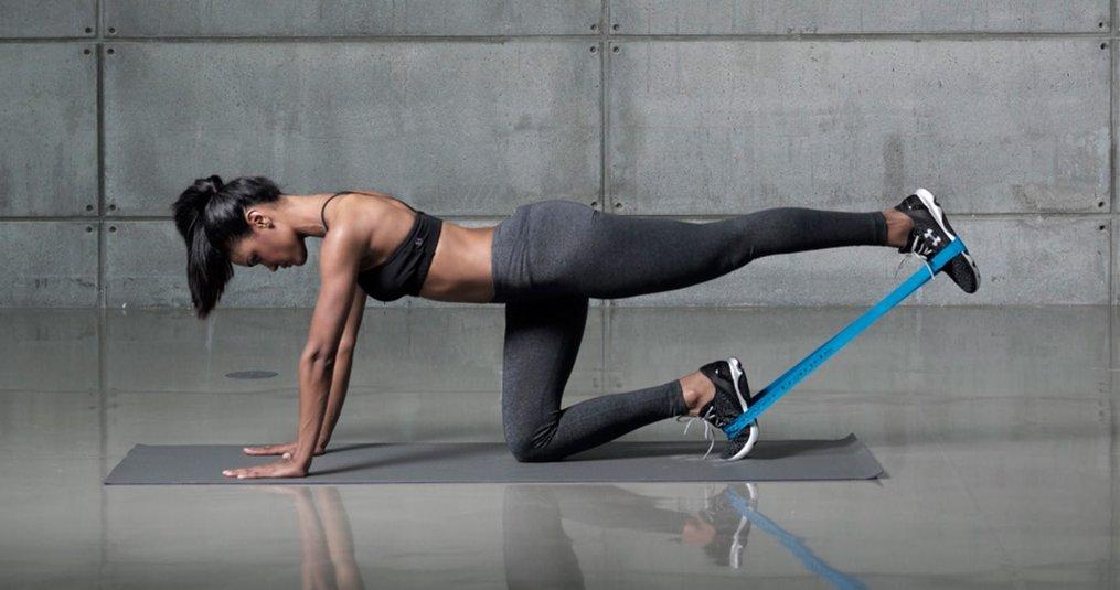 Trainen met weerstand elastiek. Gratis schema!