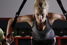 5 top oefeningen met een weerstandselastiek