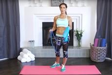 4 effectieve oefeningen met fitness elastiek