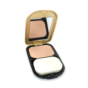 Facefinity Compact Foundation - 001 Porcelain