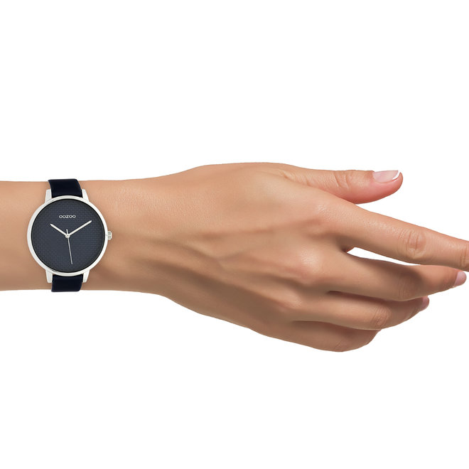 OOZOO Timepieces - femmes - bracelet en cuir bleu avec un cadran en argent