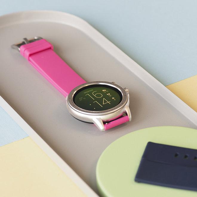 OOZOO Smartwatches - unisexe - bracelet en caoutchouc rose raspberry avec boîtier argent