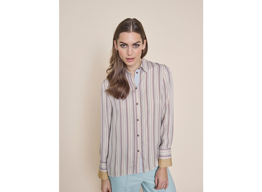 Jodie Blouse in River Light Blue (229)