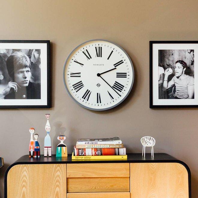 Horloge murale numéro un gris italien