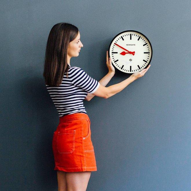 Horloge murale The Luggage verte
