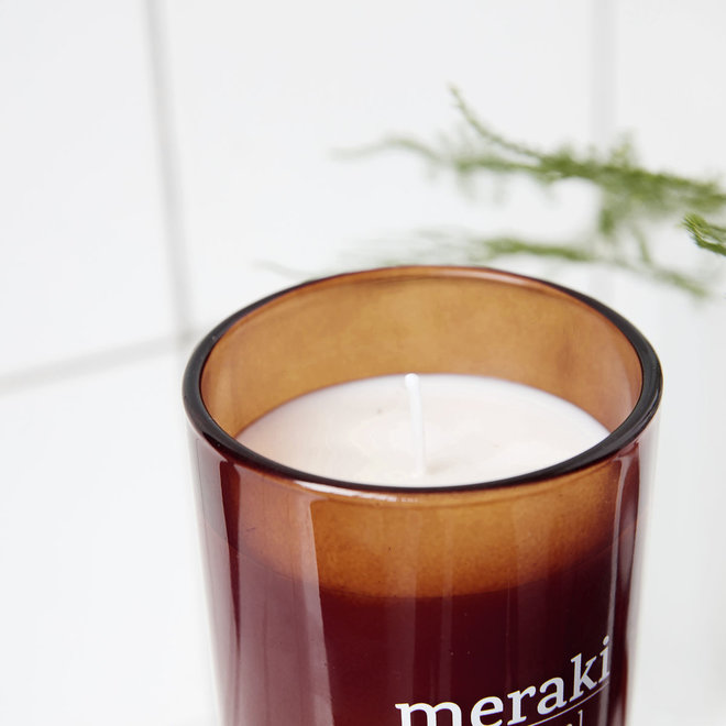 Scented candle Nordic Pine red