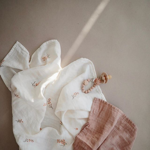 Mushie Mushie | Flowers Swaddle