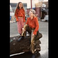Ammehoela | AM.Mia.Mom.01 | Mom oranje ruffle blouse