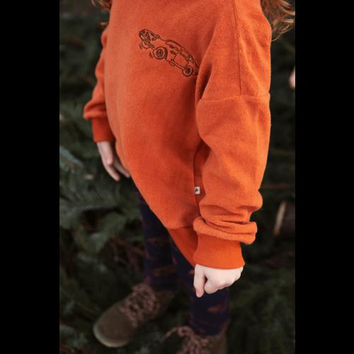 Ammehoela Ammehoela | AM.Rocky.17 | Oranje velvet sweater met auto