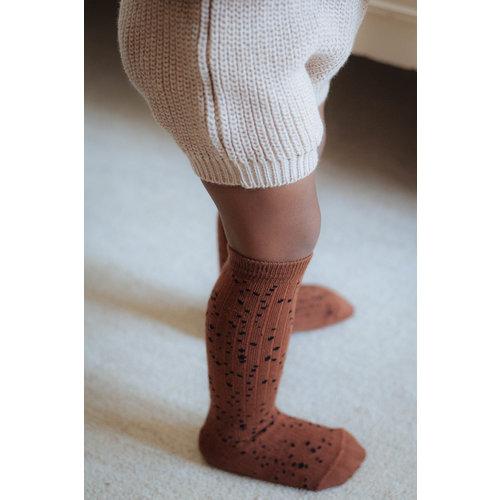 Daily Brat Daily Brat | Stippled socks | Kniesokken brown