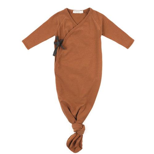 Phil & Phae Phil & Phae | Knotted baby gown | Slaapzak hazel brown