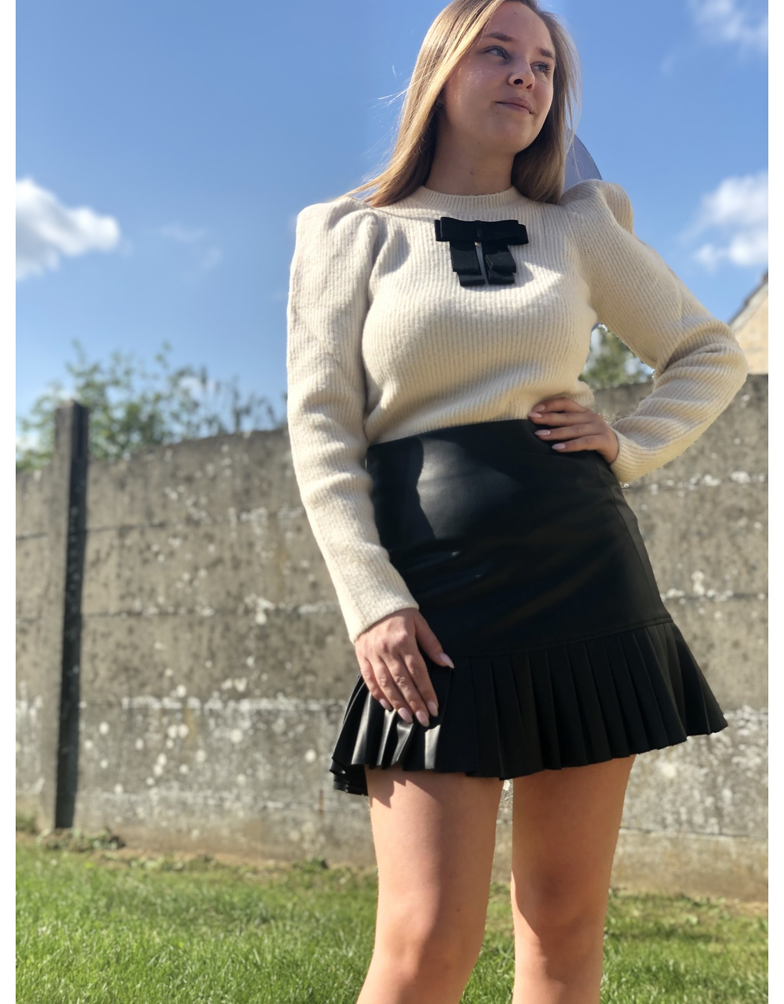 SCHOOL RAG Eugenie Knit Pullover Bow Beige