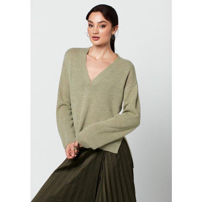 Emelie V-neck Knit Tea Green