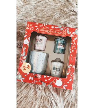 Yankee Candle Countdown To Christmas 3 Votive & 1 Holder Gift Set