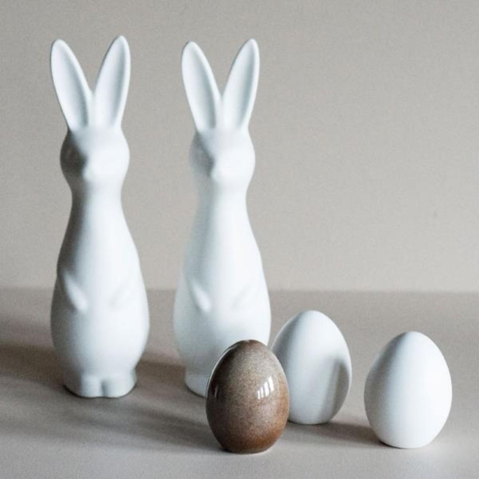 DBKD Standing Egg white