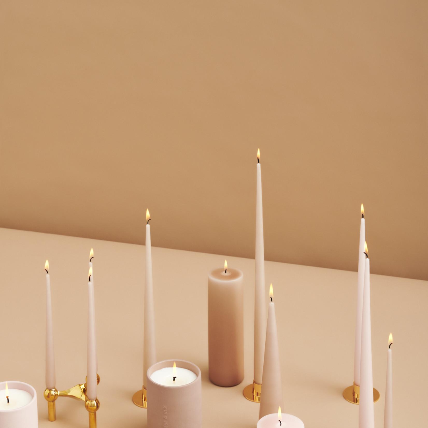Ester & Erik Kerzenständer matt gold schmale Kerzen