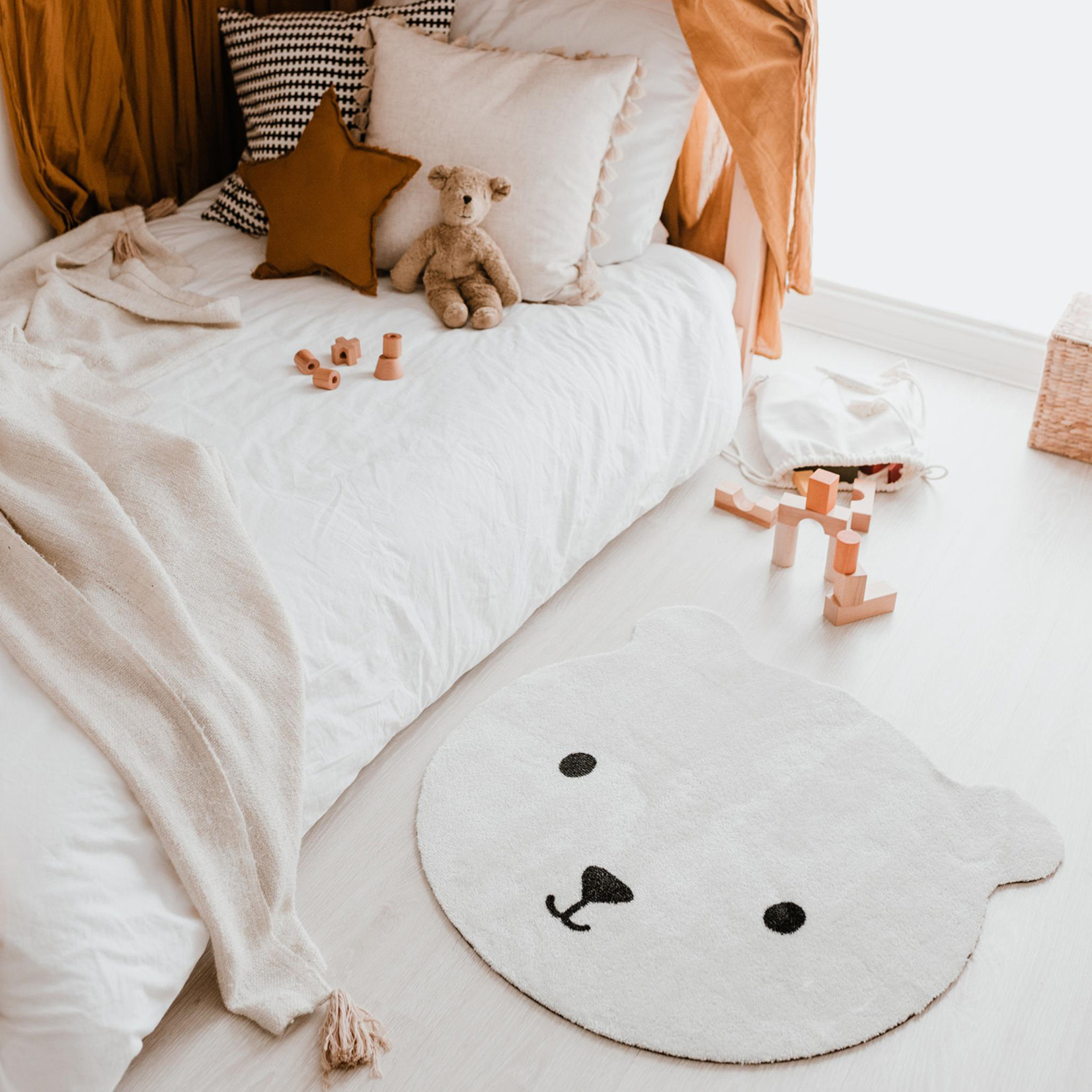 Eulenschnitt Teppich Bär