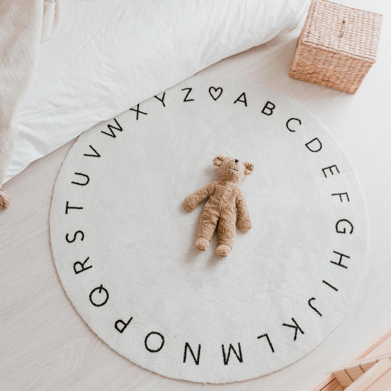 Eulenschnitt Teppich ABC