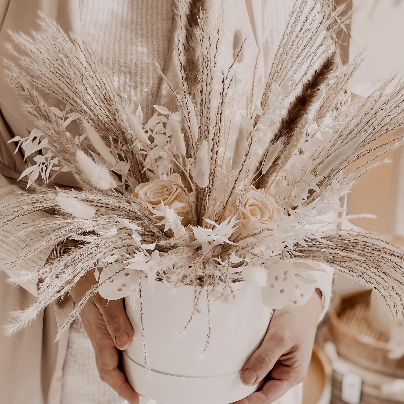 HBX Eternity Flower Box Beige