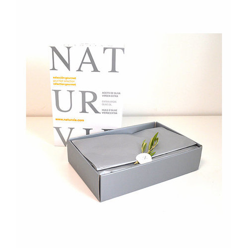 Naturvie Naturvie gift box with olive oil and delicacies