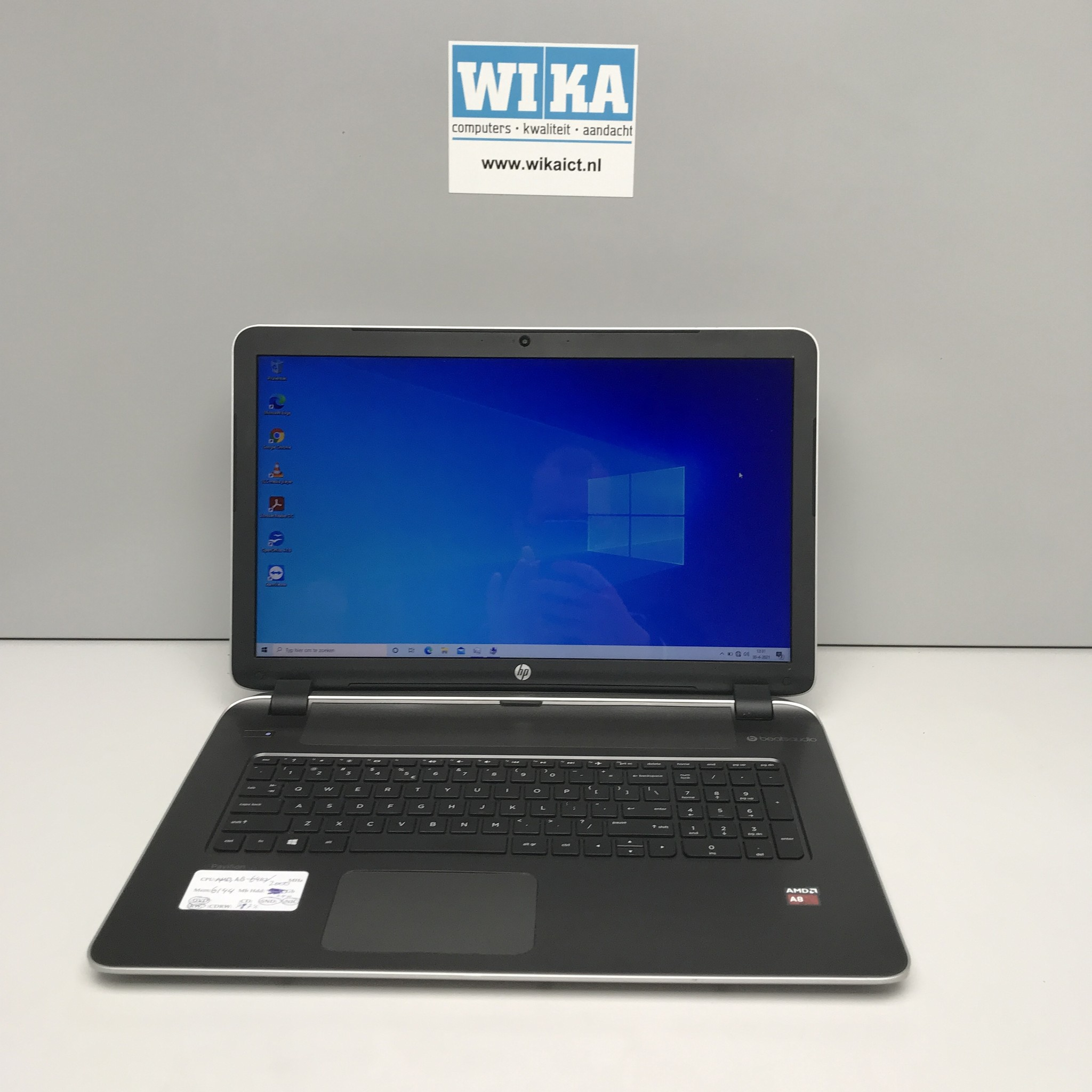 HP Pavilion 17 A8 6Gb 240Gb SSD 17.3 inch laptop