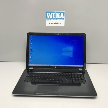 HP Pavilion 17 A8 8Gb 240Gb SSD 17.3 inch laptop
