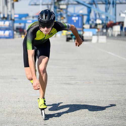 Cádomotus Sigma-II Aerodynamic Cycling helmet with good ventilation and integrated visor | matte black color