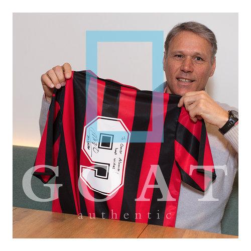 Marco van Basten maglia firmata Milan retrò con una dedica personale