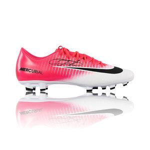 Eden Hazard scarpa da calcio firmata Nike Mercurial Vapor XI