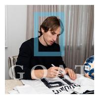 Luka Modric signed Real Madrid shirt 2015-16