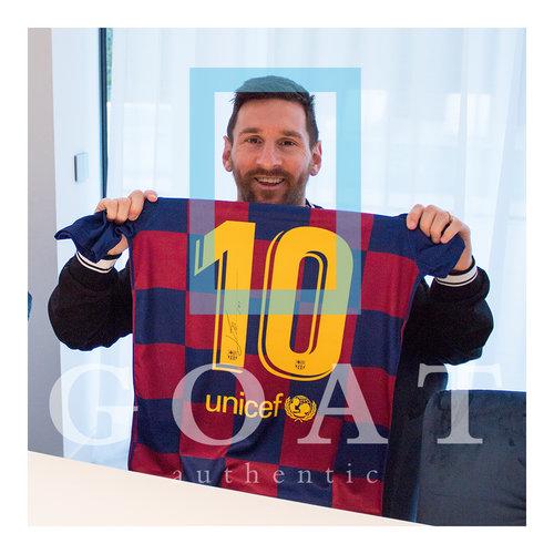 Lionel Messi signed Barcelona shirt 2019-20 - framed