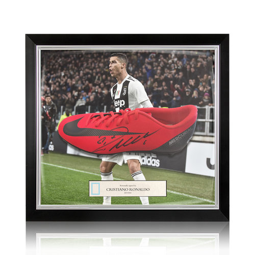 Cristiano Ronaldo signed boot Nike Mercurial CR7