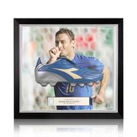 Francesco Totti scarpa da calcio firmato Diadora - incorniciata