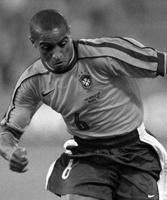 Cimeli firmati da Roberto Carlos