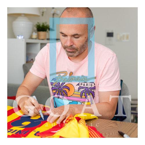 Andrés Iniesta signed FC Barcelona shirt 2013-14 - framed