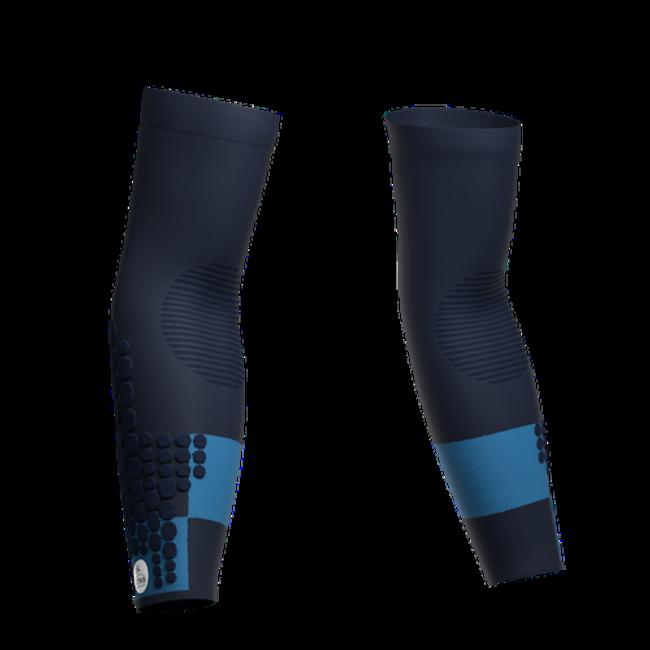 Compressport Armforce Ultralight Trail Armstulpen UTMB 2021 Blau