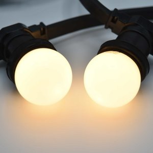 Prikkabel met warm witte led lampen
