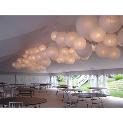 Witte lampionnen van rijstpapier