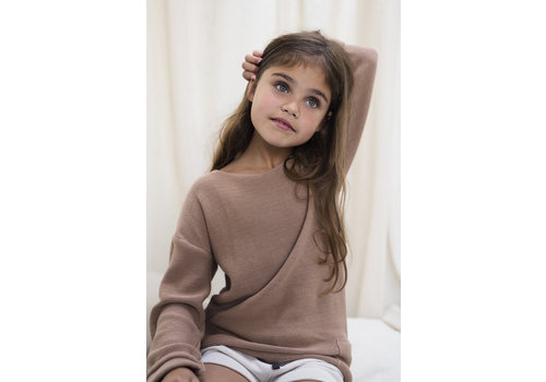 Phil&Phae Phil & Phae - Drop-shoulder knit sweater dusty nude - 9/10year