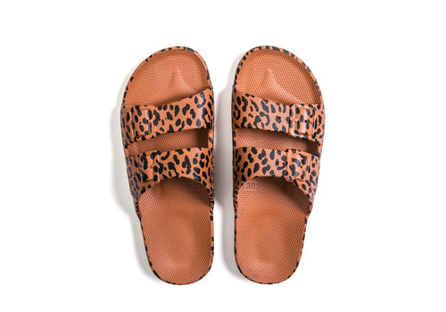 Freedom Moses Freedom moses - PU-slippers fancy leo toffee