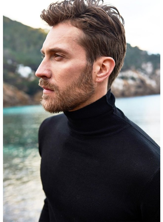 Circle of Trust - Stewart Turtleneck Black