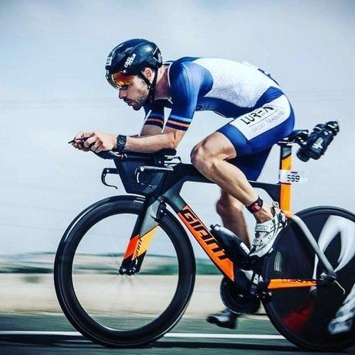 Cádomotus Oméga Casque Aéro Cyclisme - Triathlon | Noir