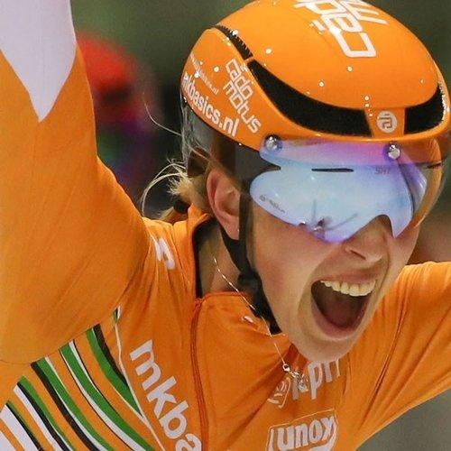 Cádomotus Omega Aerohelm voor schaatsen en triathlon- Oranje