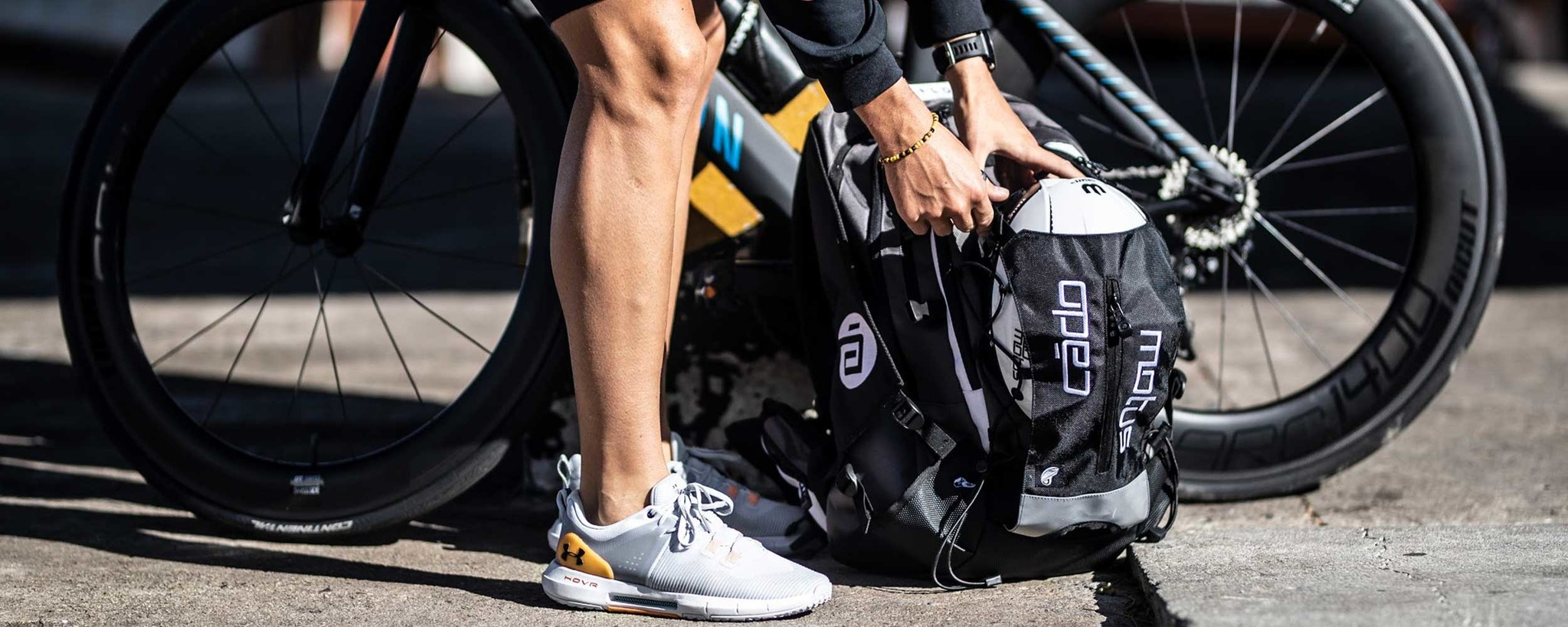 Transition bag for cyclists or triathletes