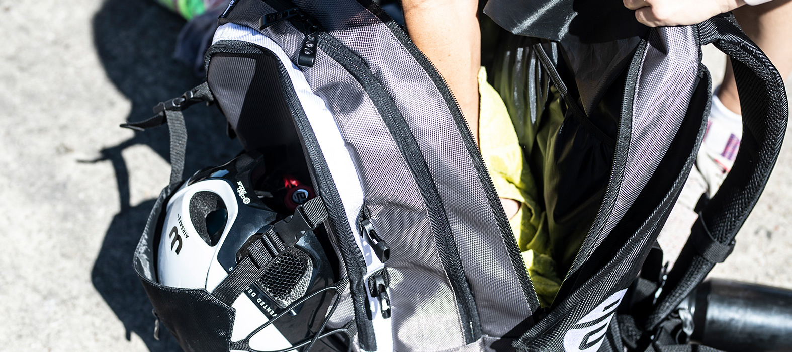 Multiple compartments gear bag