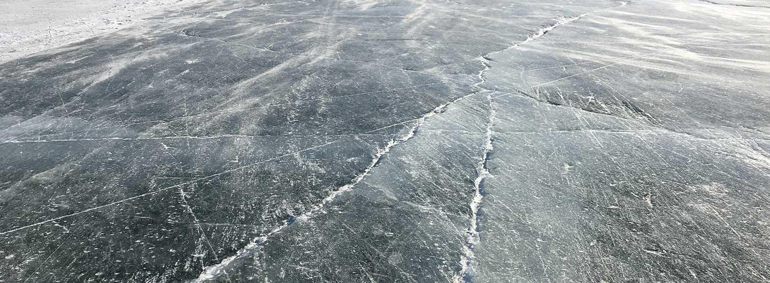 Scheuren in het ijs