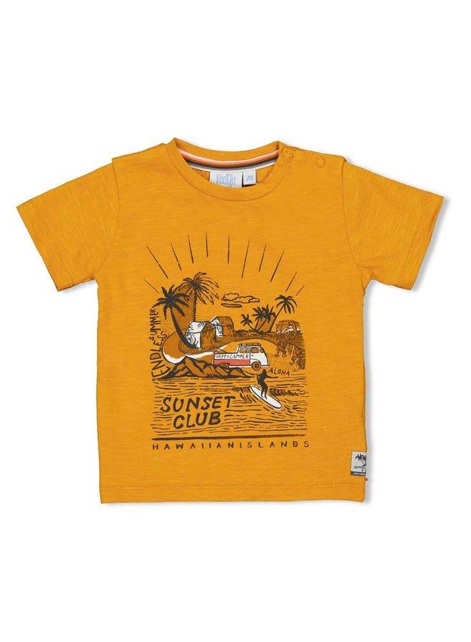 Happy Camper T-shirt Sunset Club Okergeel