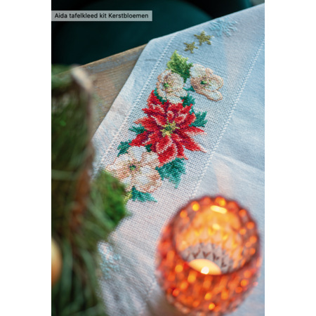 Vervaco Aida tafelkleed kit kerstbloemen
