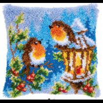 Knoopkussen kit roodbortjes met Kerst