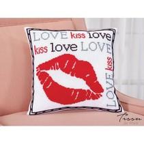 Telpakket kruissteekkussen Love